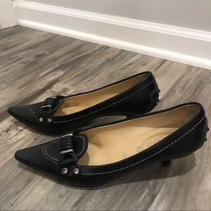 Like New Tod's black leather pumps size 7.5